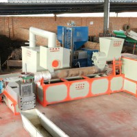 废塑料加工设备    供应双新SX   塑料加工除烟设备   再生塑料颗粒加工设备   烟气处理机械