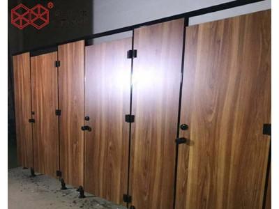 学校洗手间隔断板二代抗倍特公共厕所隔断防水防潮安装