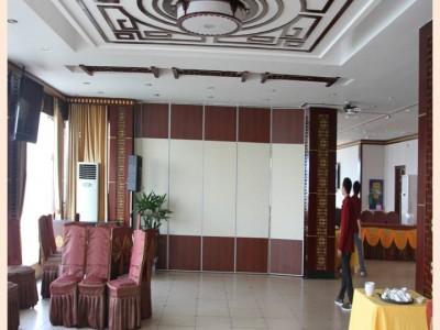 供应深圳餐厅活动隔断,移动隔断,折叠门,玻璃隔断厂家